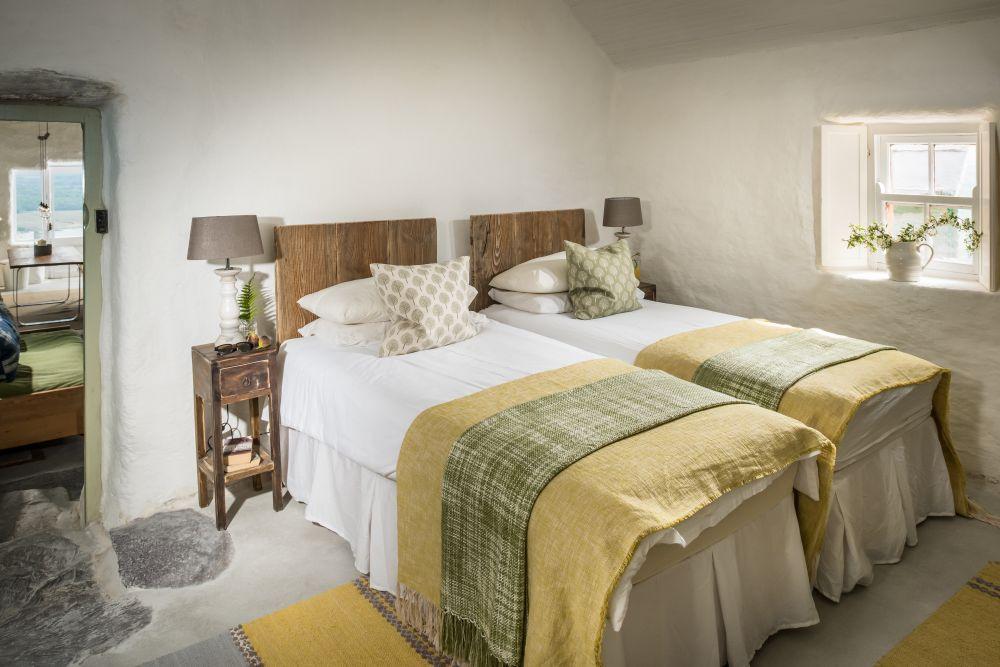 adelaparvu.com despre cabana Lost Cottage Irlanda, design Goodform, Foto Unique Home Stays (10)