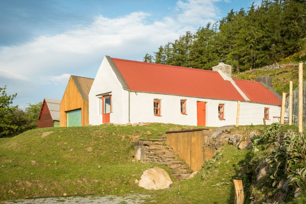 adelaparvu.com despre cabana Lost Cottage Irlanda, design Goodform, Foto Unique Home Stays (20)
