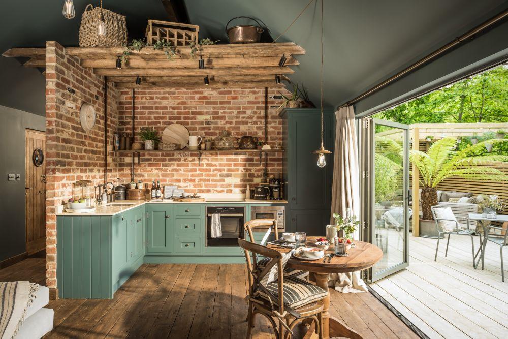 adelaparvu.com despre casa mica in Marea Britanie, turcoaz si lemn si caramida, casa de oaspeti, The Sanctuary, Unique Home Stays, Foto Unique Home Stays (12)