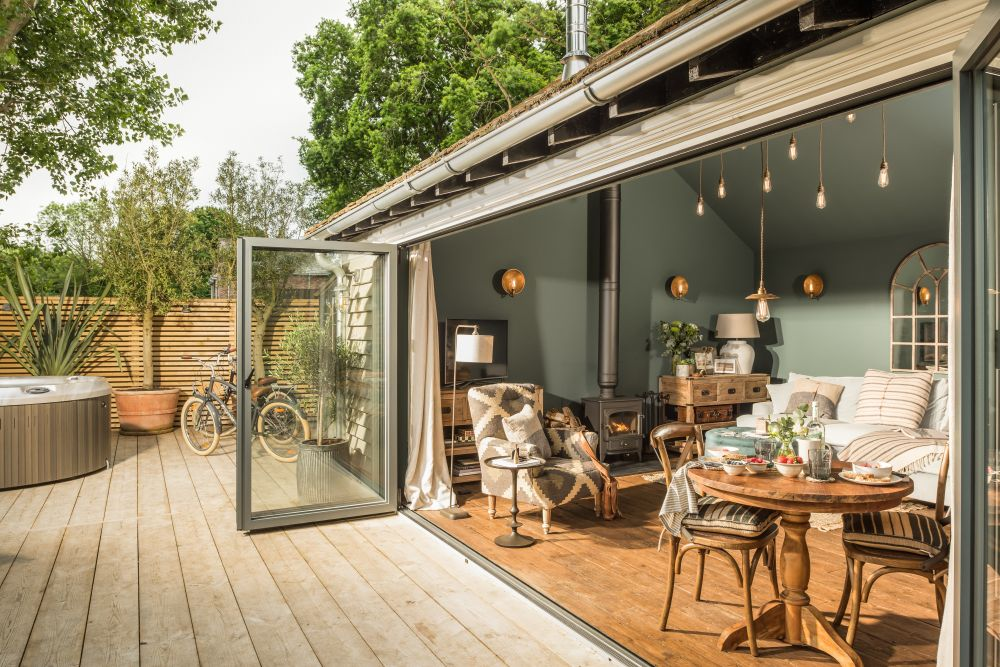 adelaparvu.com despre casa mica in Marea Britanie, turcoaz si lemn si caramida, casa de oaspeti, The Sanctuary, Unique Home Stays, Foto Unique Home Stays (25)