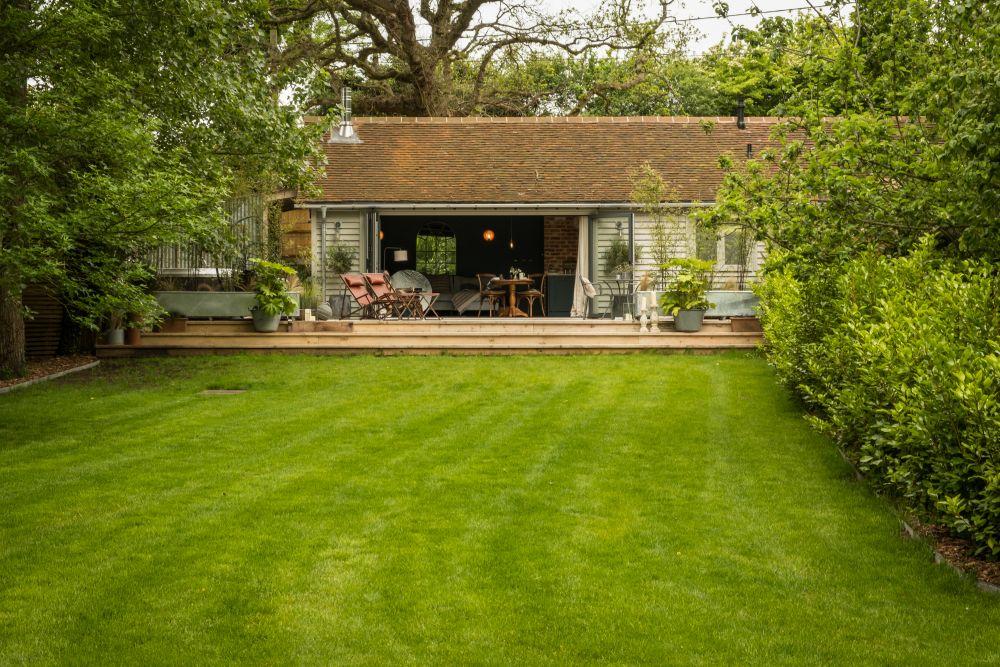adelaparvu.com despre casa mica in Marea Britanie, turcoaz si lemn si caramida, casa de oaspeti, The Sanctuary, Unique Home Stays, Foto Unique Home Stays (27)