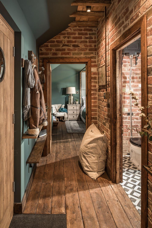 adelaparvu.com despre casa mica in Marea Britanie, turcoaz si lemn si caramida, casa de oaspeti, The Sanctuary, Unique Home Stays, Foto Unique Home Stays (3)