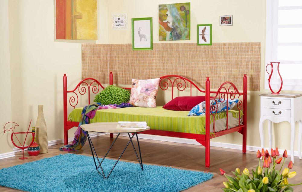 Piesele de mobilier din fier sunt disponibile și în variate culori sau nuanțe metalice. Pe site, sub fiecare produs sunt menționate și culorile disponibile.