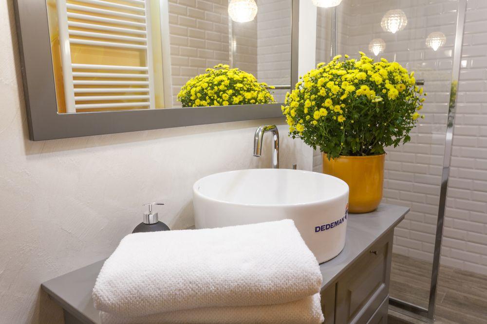adelaparvu.com despre renovarea apartamentului familiei Cucu din Focsani, ep 10, sezonul 4, Visuri la cheie, baie (2)