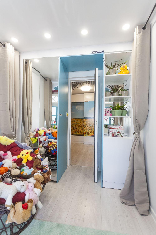 Camera fetiței după renovarea făcută de către echipa Visuri la cheie.