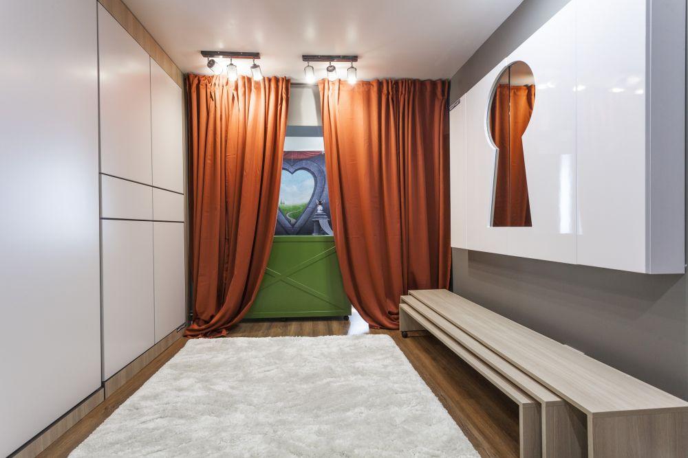 Dormitorul după de renovarea făcută de către echipa Visuri la cheie.