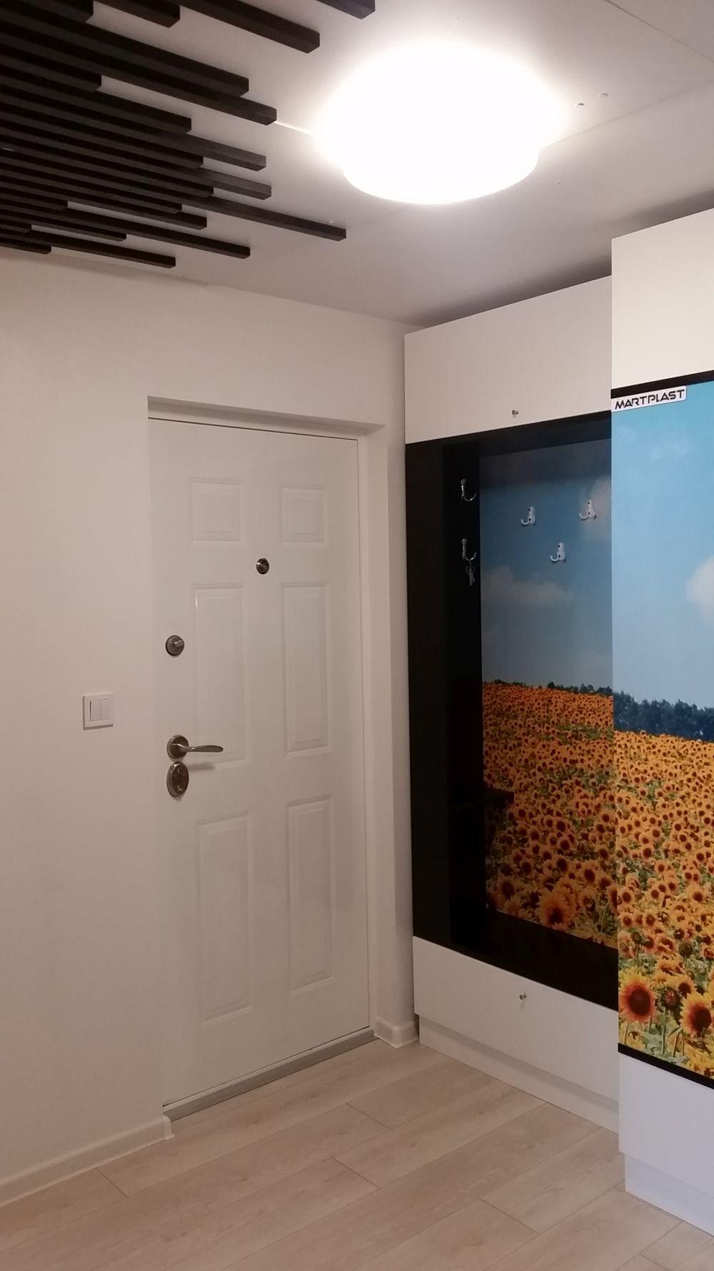 adelaparvu.com despre renovarea apartamentului familiei Cucu din Focsani, ep 10, sezonul 4, Visuri la cheie, hol (7)