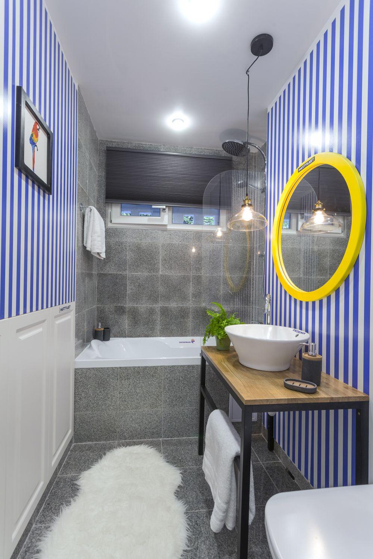 adelaparvu.com despre renovarea apartamentului familiei Dumitrascu, episodul 12, sezonul 4, Visuri la cheie, baia mare (1)