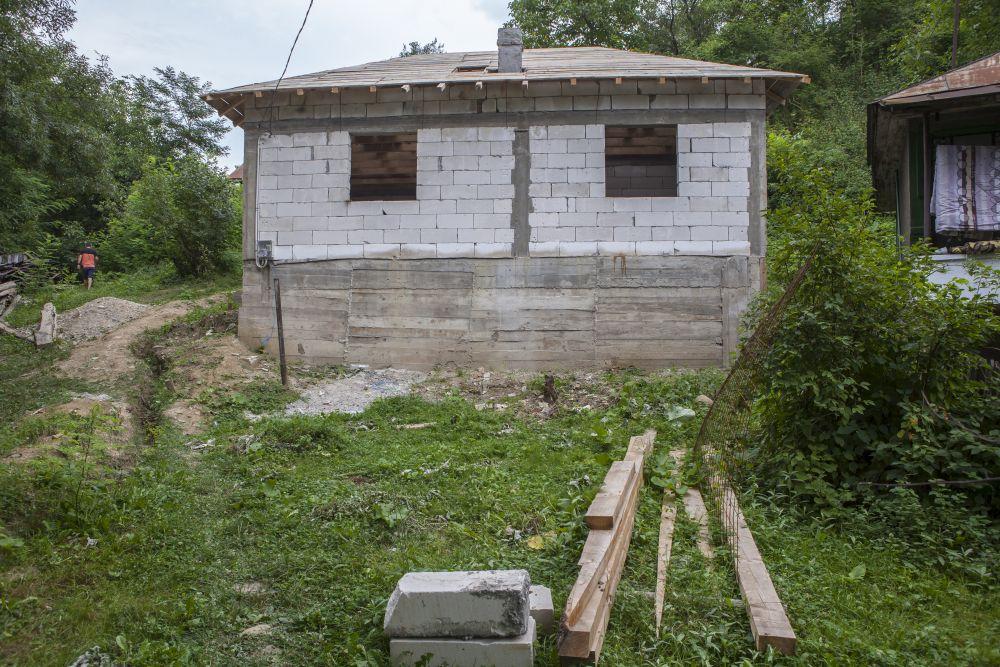 Casa la exterior înainte de renovare