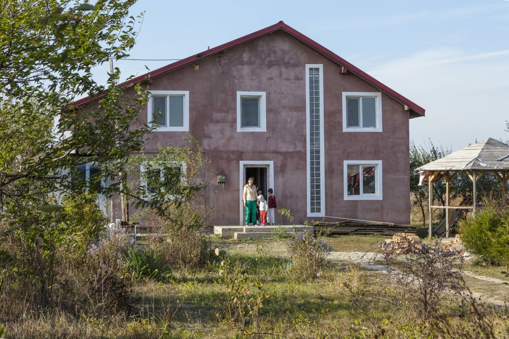 Fațada principală înainte de renovare