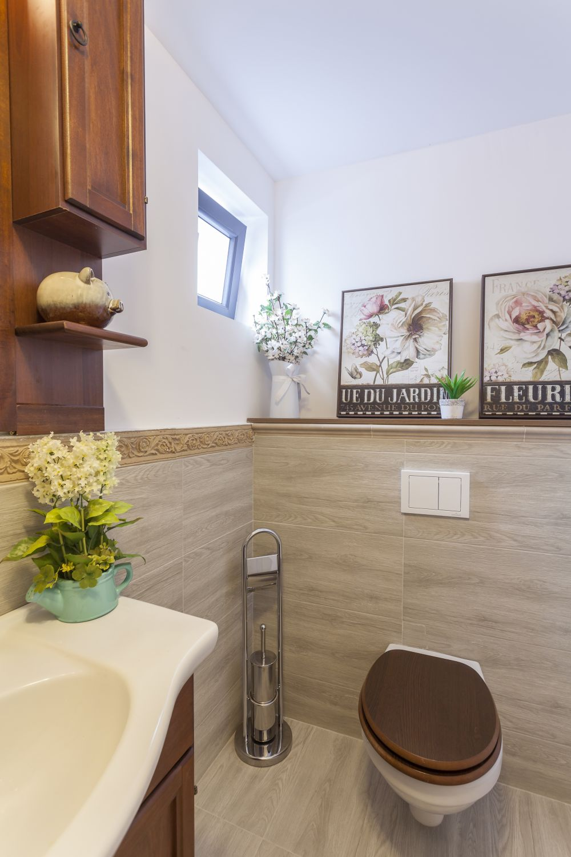 adelaparvu.com despre renovarea casei familiei Stanescu din Saveni, episodul 8, sezonul 4, Visuri la cheie, baia (4)
