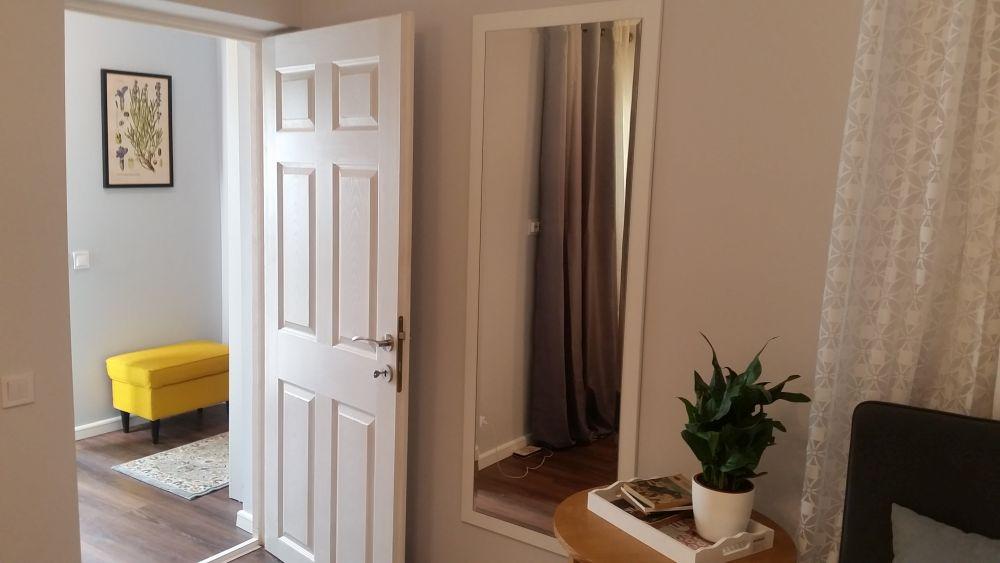 adelaparvu.com despre renovarea casei familiei Stanescu din Saveni, episodul 8, sezonul 4, Visuri la cheie, dormitorul mamei (4)