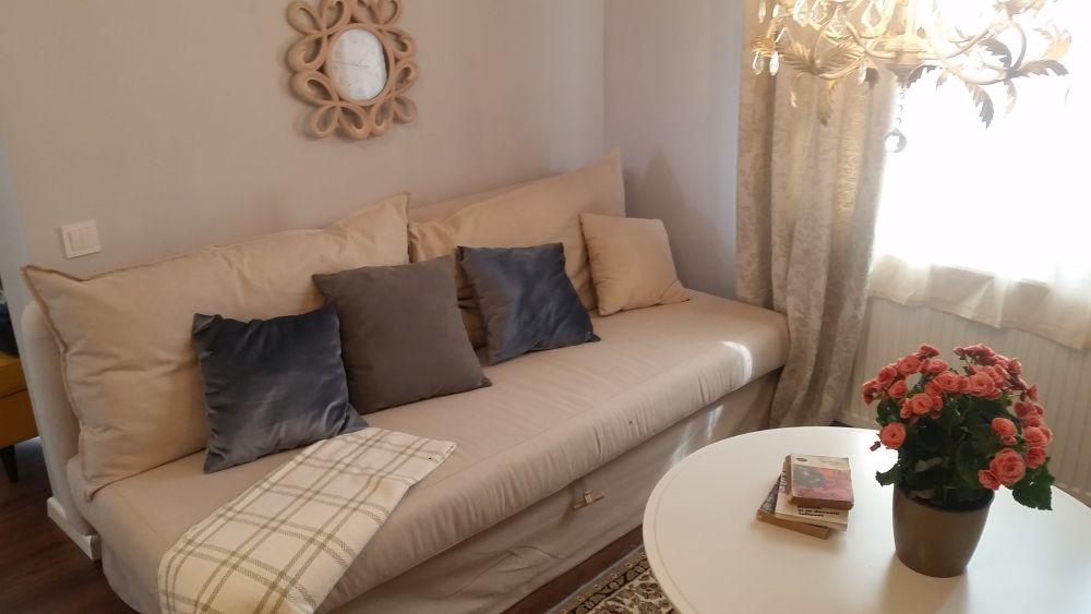 adelaparvu.com despre renovarea casei familiei Stanescu din Saveni, episodul 8, sezonul 4, Visuri la cheie, living (2)