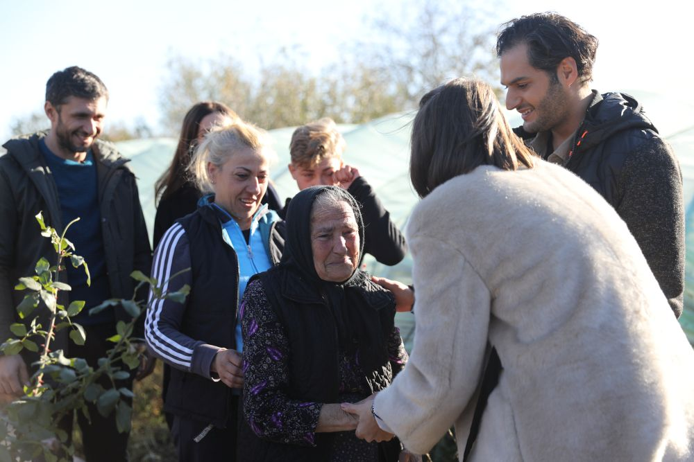 Întâlnirea cu bunia Ecaterina, fiica ei Lenuța și nepotul Cătălin a fost emoționantă.