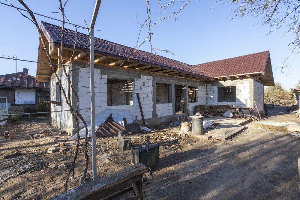Casa înainte de renovarea făcută de către echipa Visuri la cheie
