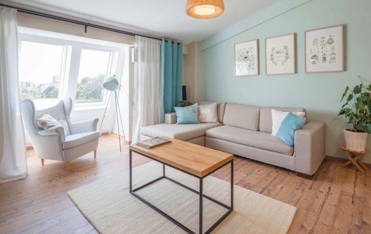 adelaparvu.com despre locuinta la mansarda din 2 camere 3 camere, arhitect Patricia Laslau, Bucuresti, foto cosmindragomir.info