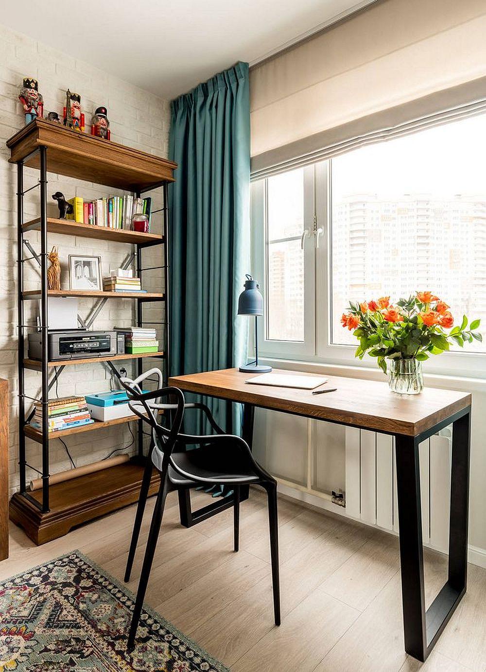 După renovare locul de studiu este situat la fereastră, dar modul de amenajare și ambientare vorbește despre o altă vârstă, totul fiind mult mai elegant.