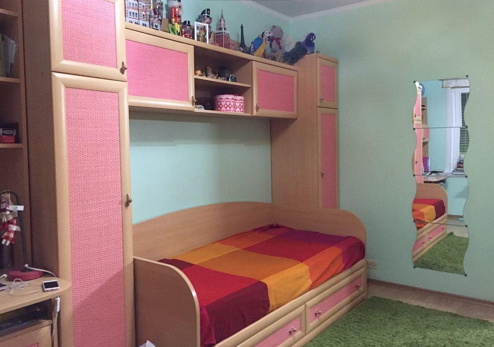 Înainte de renovare camera fetei arată după cum se vede.