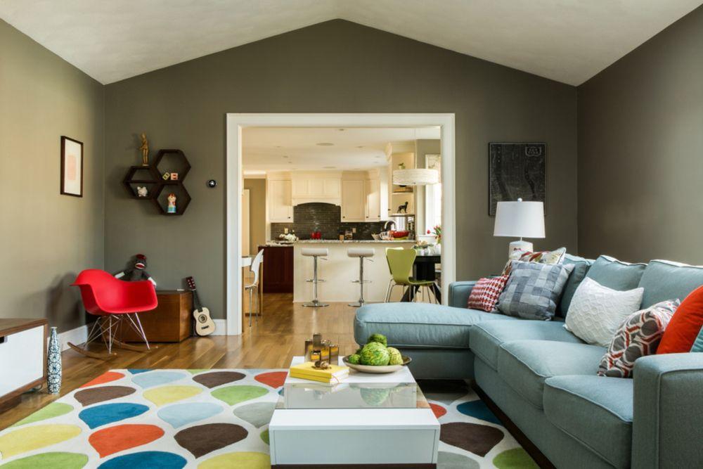 adelaparvu.com despre livinguri amenajate pentru disctractie parinti si copii, Foto DiStefano Brothers Construction Inc