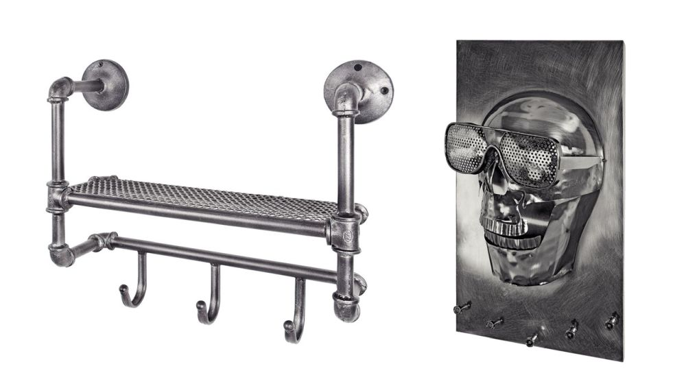1. Cuier Pipe. Vezi materiale, dimensiuni, preț AICI. 2. Cuier decorațiune Skull. Vezi detalii AICI.