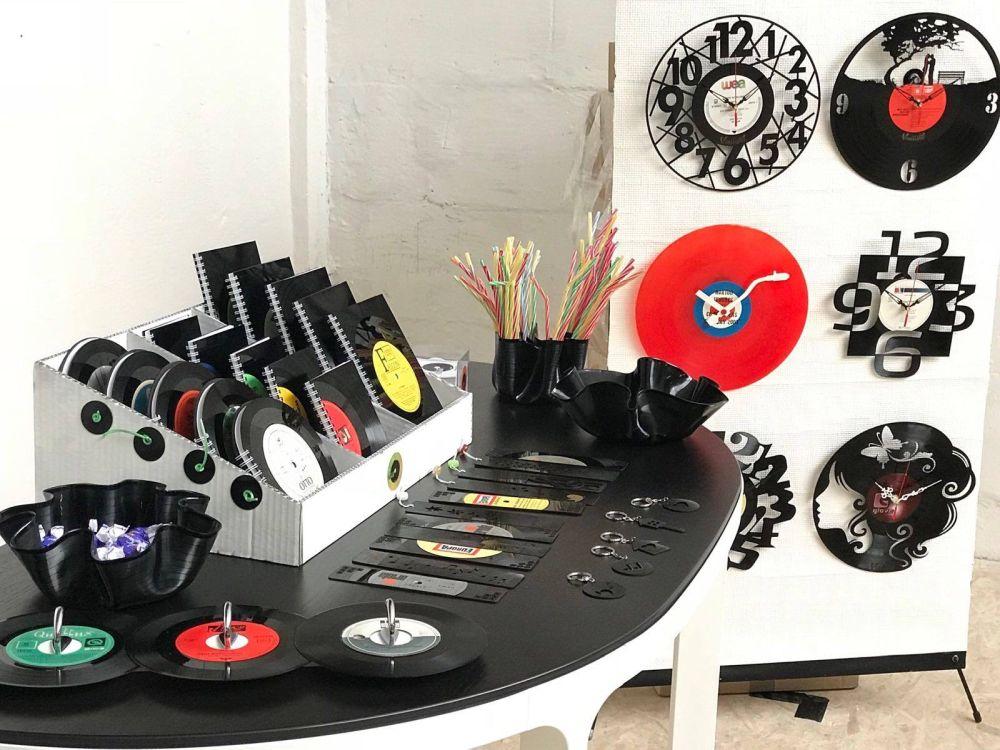 adelaparvu.com despre obiecte din viniluri, designeri Carmen si Florin Stoica, Vinilistic (2)