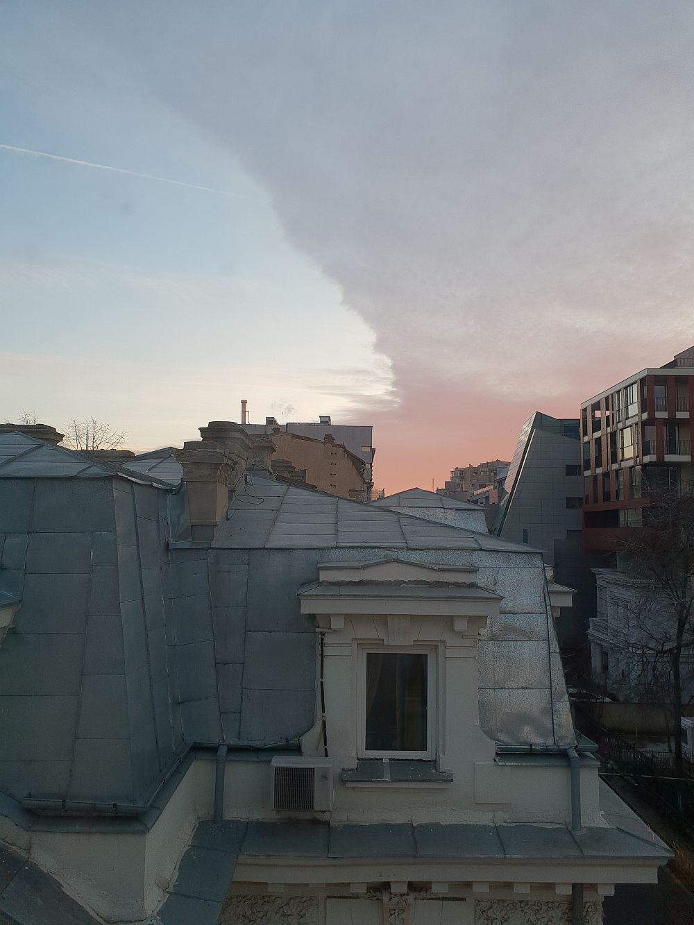 Peisaj urban captat de către gemenii mei cu Samsung S9, imagine needitată.