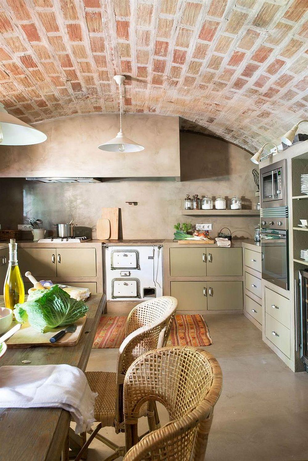adelaparvu.com despre casa in stil traditional catalan, renovare si design Grup Escriva (1)