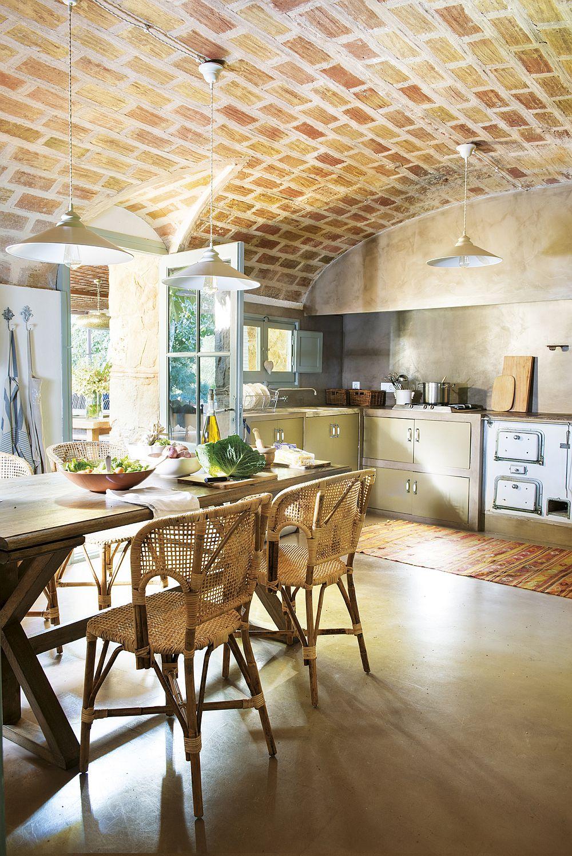 adelaparvu.com despre casa in stil traditional catalan, renovare si design Grup Escriva (7)