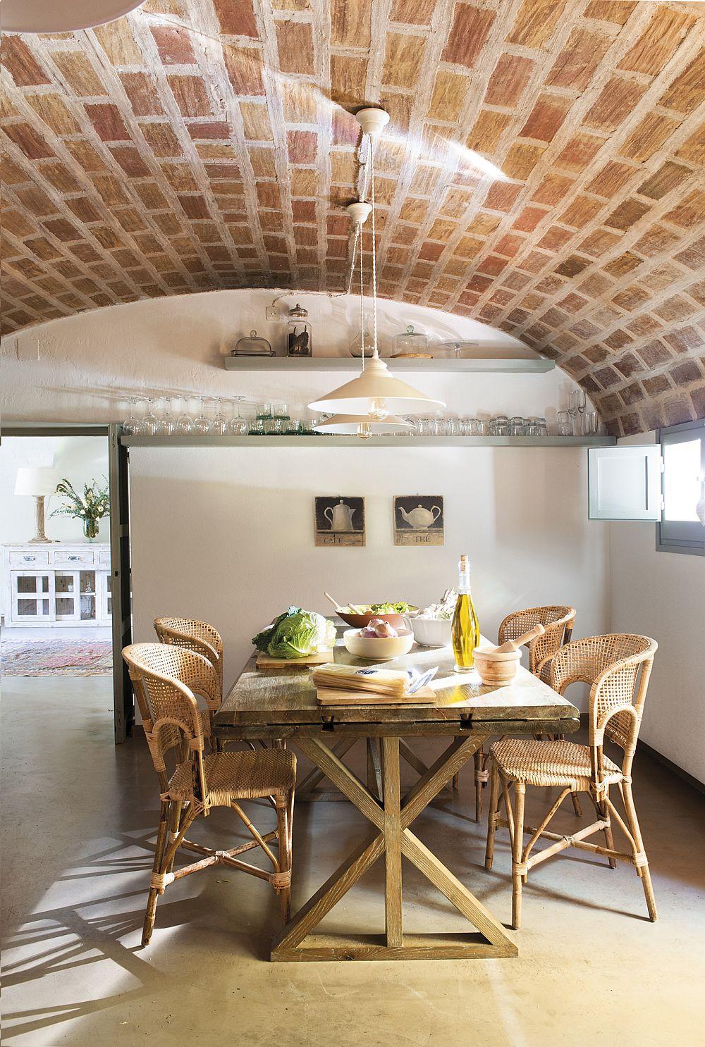 adelaparvu.com despre casa in stil traditional catalan, renovare si design Grup Escriva (8)