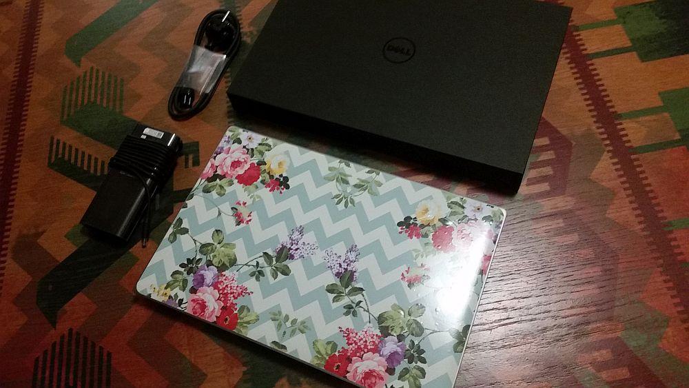 Așa arătă laptopul meu personalizat de către Patricia cu față simpatică.