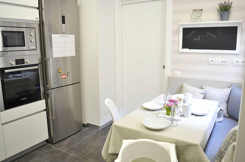 adelaparvu.com despre apartament functional mobilat, Foto Cristina Perez (6)