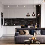 Bucătăria este tratată elegant pentru ca toate electrocasnicele să fie cât mai camuflate și ca atare caracterul tehnic atenuat.