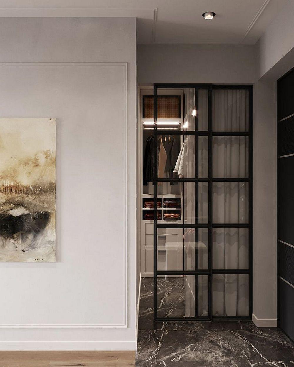 Dressingul este configurat în holul de la intrare în relație cu baia, adică cel mai aproape de aceasta. Astfel, dressingul are și rol de depozitare, dar și unul de cuier, având în vedere că spațiul micului hol este deschis către principala cameră.
