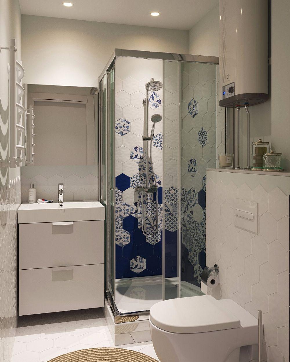 Camera de baie este mică, dar bine exploatată. La bloc este mai dificil de realizat duș cu rigolă îngropată, așa că pentru cabina de duș s-a ales o cădiță ca bază. Plăcile ceramice sunt de la firma italiană Tonalite.
