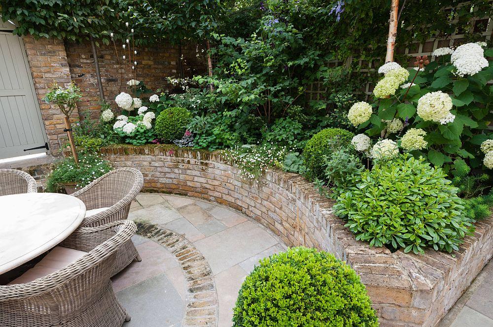 adelaparvu.com despre amenajare gradina in stil romantic, design KR Garden Design, Foto Caroline Mardon (15)