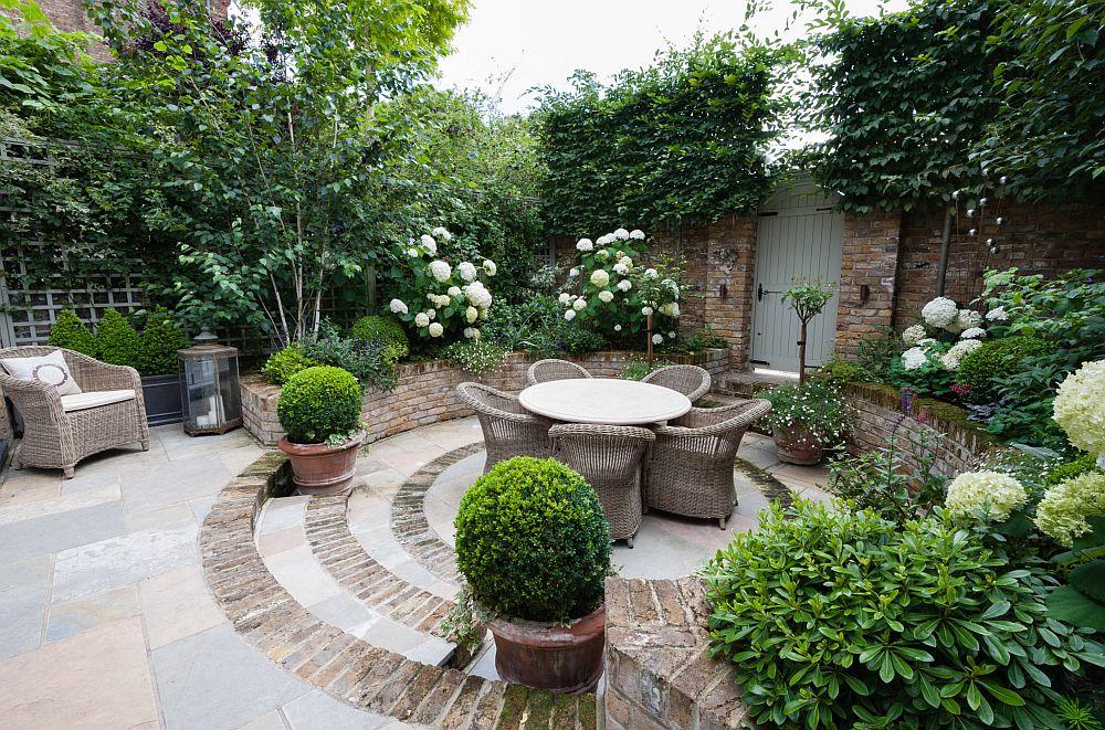 adelaparvu.com despre amenajare gradina in stil romantic, design KR Garden Design, Foto Caroline Mardon (17)