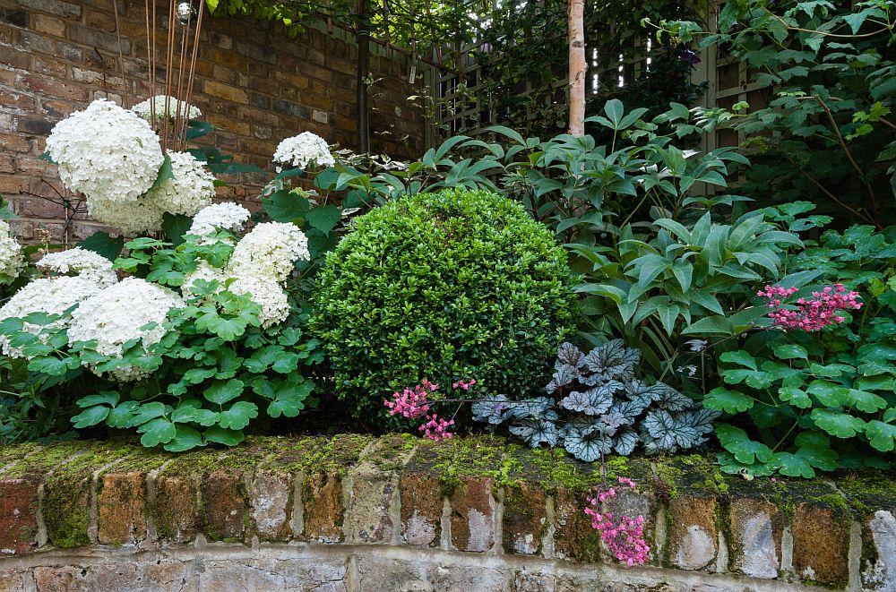 adelaparvu.com despre amenajare gradina in stil romantic, design KR Garden Design, Foto Caroline Mardon (4)