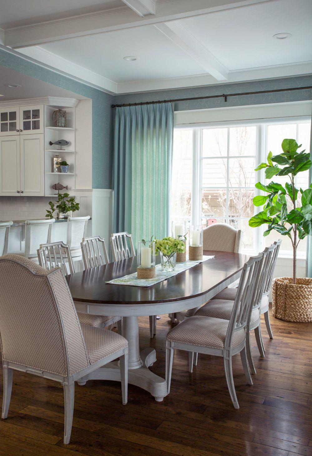 Locul de luat masa cu mobilă deschisă pentru ca ea să nu încarce spațiul, ci să-i dea un aer relaxant.