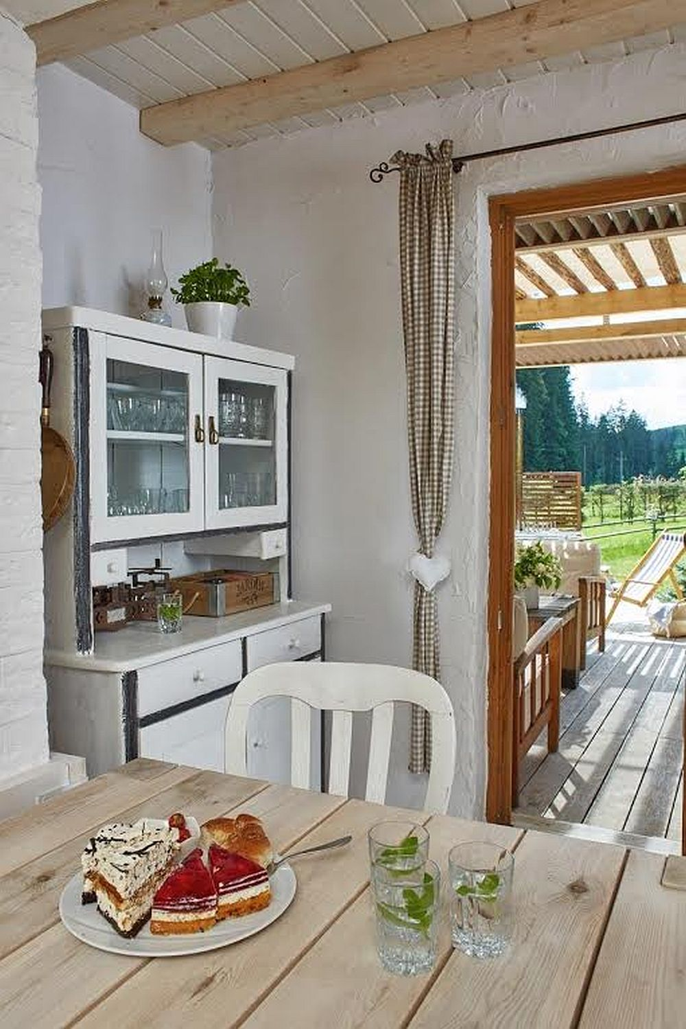 adelaparvuv.com despre casa cu terasa langa padure, Prowansalski Dom, Polonia (11)