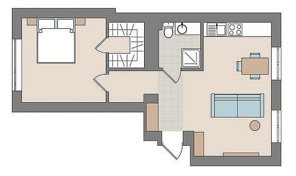 Înainte de modificare locuința era organizată astfel: un hol de intrare în dreapta căruia erau un dormitor și bucătăria, în față era baia, iar în stânga livingul. Ei bine, pentru a avea loc de depozitare, respectiv un dressing încăpător, proprietarii au decis ca livingul să devină dormitor, iar din spațiul mai mare al camerei să aloce o bună parte pentru configurarea unui dressing separat cu ușă interioară. Zona de zi a devenit deschisă, respectiv bucătăria a fost deschisă către fostul dormitor, de asemenea s-a renunțat la hol. Desigur, toate aceste modificări au fost posibile numai în urma unei expertize tehnice.