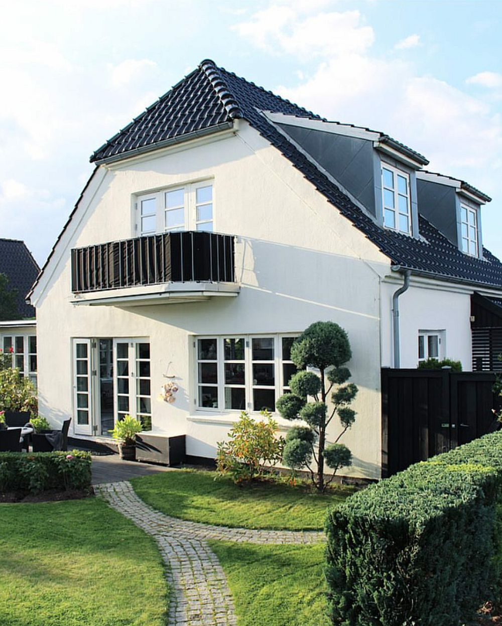 Casa danezei Kristen Skovbon, așa cum arată la exterior.