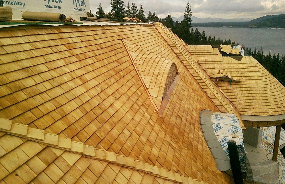 Datorită grosimii mai mari de tăiere a AYC Tapersaw, conferă mai mult volum acoperișului. Acoperirea dublă, cu 190 mm expunere, completează grosimea materialului în volumetria acoperișului.