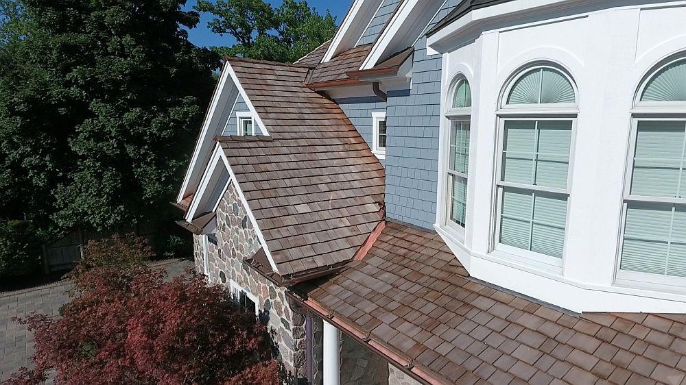 adelaparvu.com despre acoperis din lemn de cedru si lemn cedru pentru fadate de la Georoof (5)
