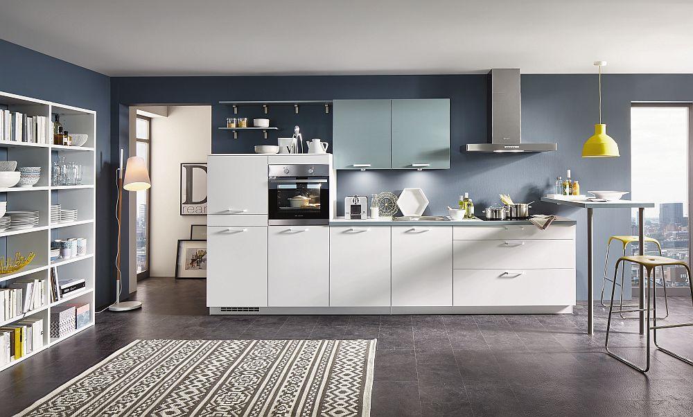 """Bucătăria """"Speed"""" de la Blogg by Nobilia fabricată în Germania. Bucătărie configurabilă, dotată cu uși și sertare Soft close; garanţie 5 ani; Disponibilă în 8 culori. Preț: 6.990 lei. Lungime: 330 cm, preţul nu include decoraţiunile, aparatura electrocasnică și articolele sanitare."""