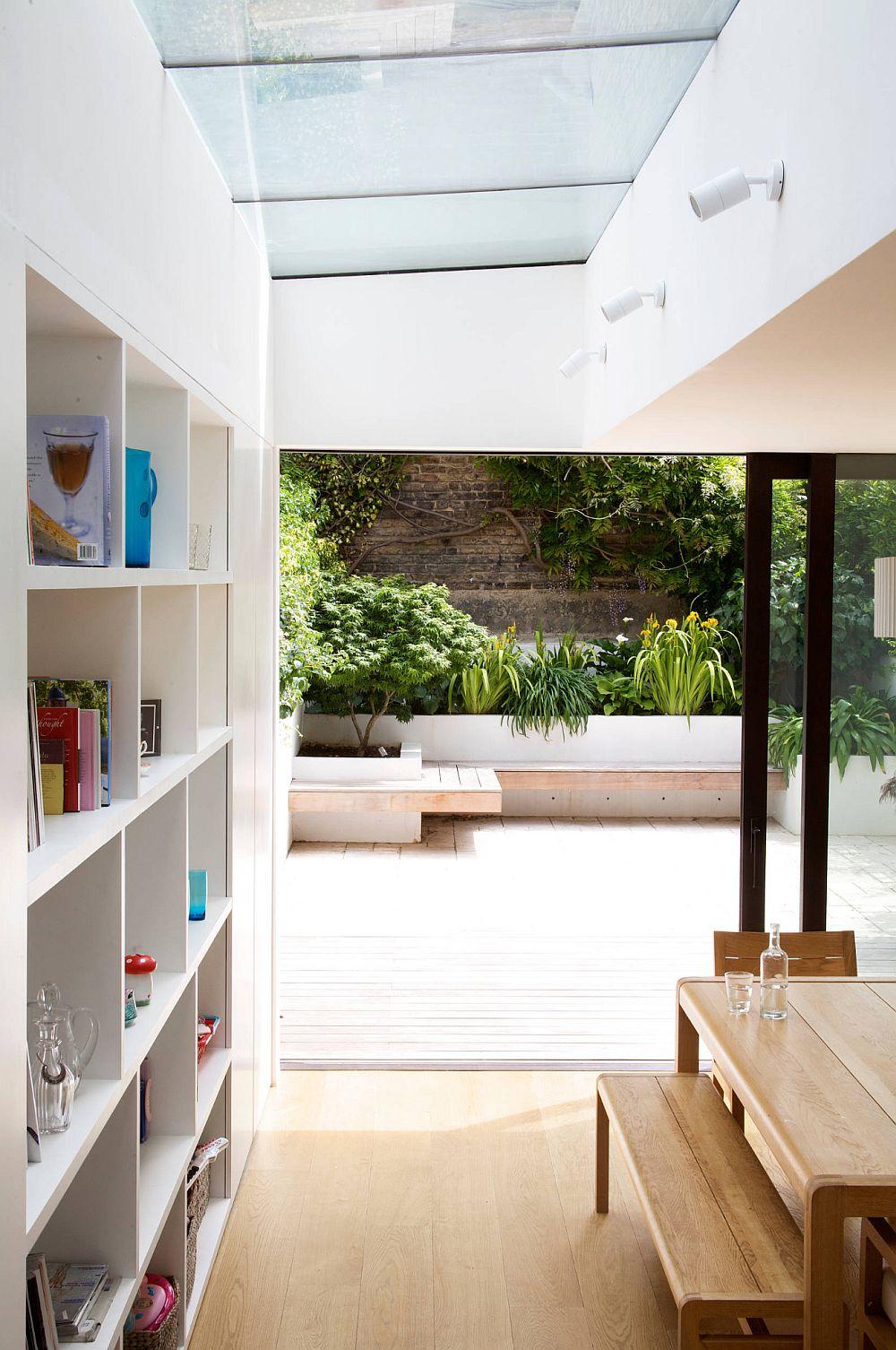 adelaparvu.com despre gradina urbana in curte mica, design Living Colour Gardens (3)