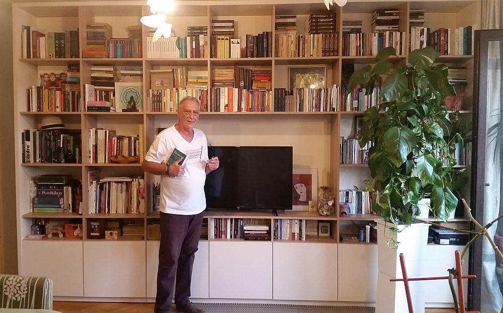 Acasă la mine, unde soțul meu Adrian Pârvu a ajuns să aibă bblioteca mult visată, grație partenerei mele arhitect Andreea Beșliu, care a proiectat-o conform dorințelor lui și executată de către Movi Design.