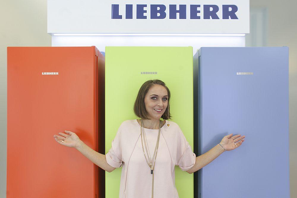 Ai o bucătărie rustică, shabby chic, modernă, scandinavă sau în stil industrial? Ei bine, ai trei variante de culoare din care să alegi din gama ColourLine de la Liebherr.