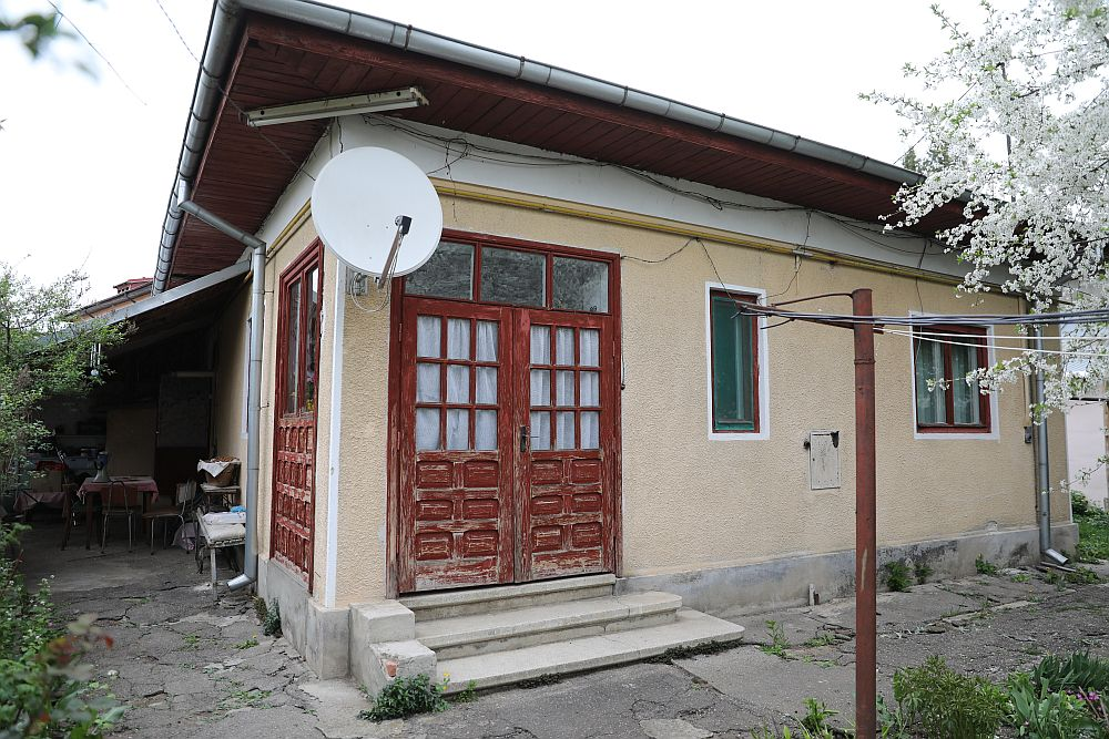 Casa înainte de renovarea făcută de către echipa Visuri la cheie.