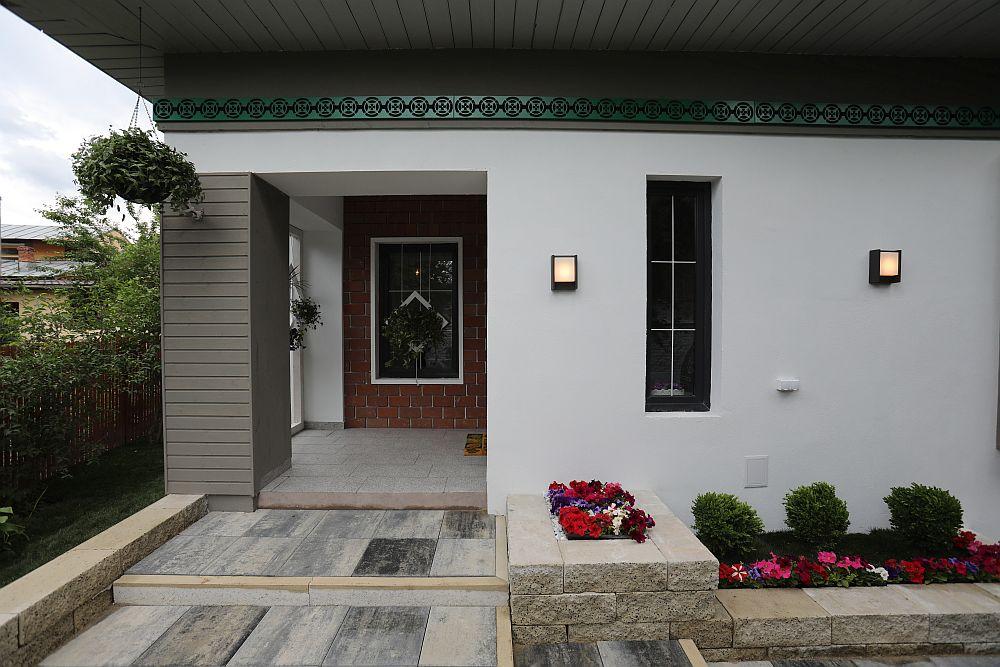 Exteriorul casei după renovarea făcută de către echipa Visuri la cheie.