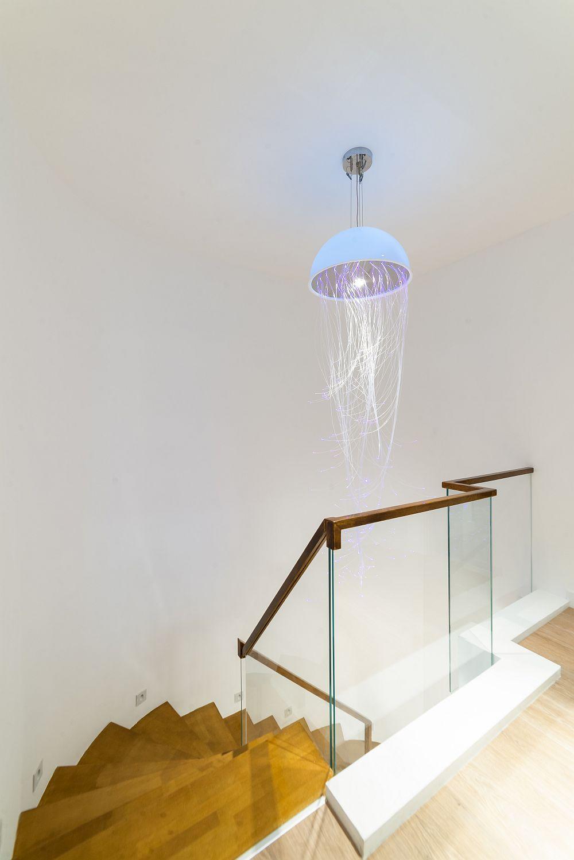 Scara interioară după reamenajarea făcută conform proiectului designerilor de la Pure Mess Design.